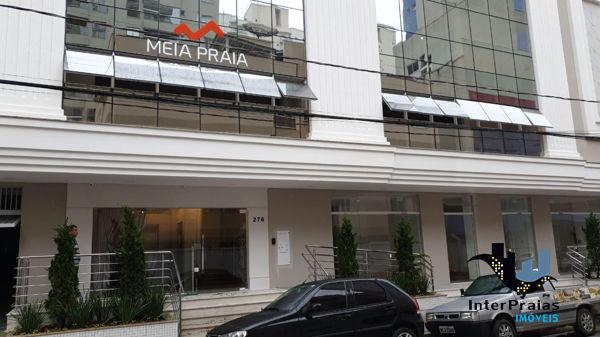 Sala comercial para alugar  no Meia Praia - Itapema, SC. Imóveis