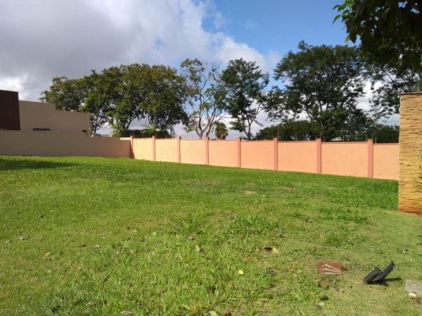Terreno No Condomínio Alphaville Jacarandás